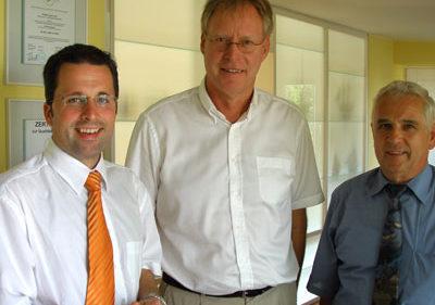 Kai Seefried, Herr Dorschfeld (Geschäftsführer), Horst Deede (Bürgermeister Wiepenkathen)